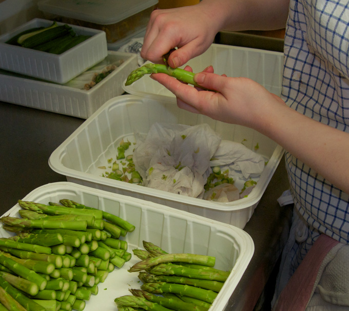 La préparation des asperges, une spécialité du Blayais