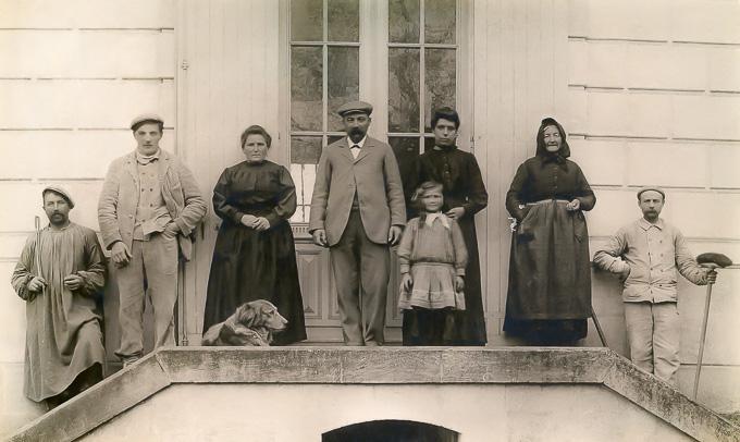 La famille Huchet et les employés du moulin
